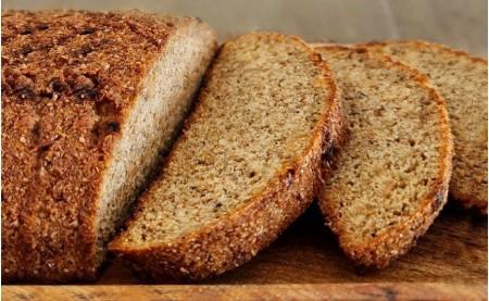 Луковый кето-хлеб из миндальной муки